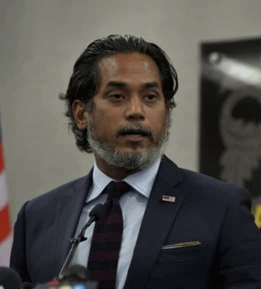 Geng farmasi hentam Khairy, stok yang dah ada ni takkan nak jual murah?