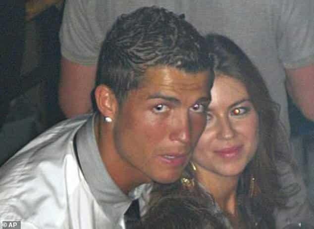 Terkini : Cristiano Ronaldo dituduh rogol guru sekolah