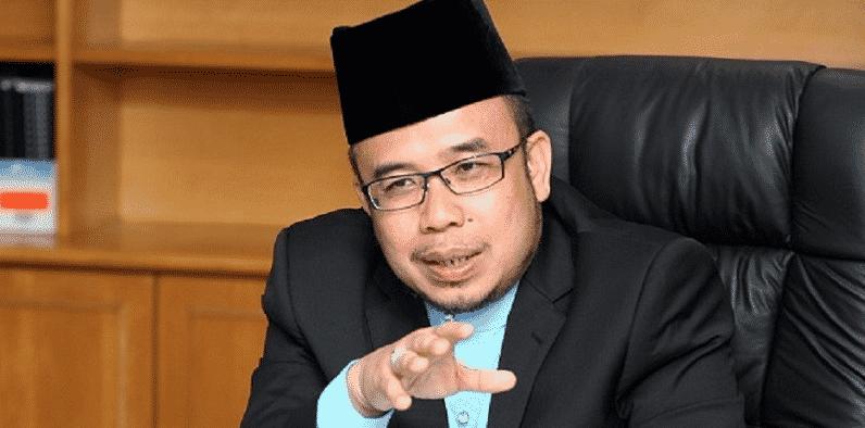 Ciapan Twitter : Mufti Perlis perli Siti Nurhaliza?