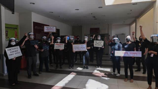 Gempar !!! Doktor Kontrak mula berarak di seluruh negara protes kerajaan