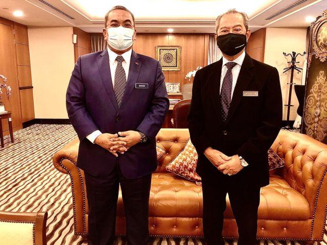 "Sanusi ""backup"" Muhyiddin, jawab persoalan ketiadaan Muhyiddin di Parlimen jawab soalan"