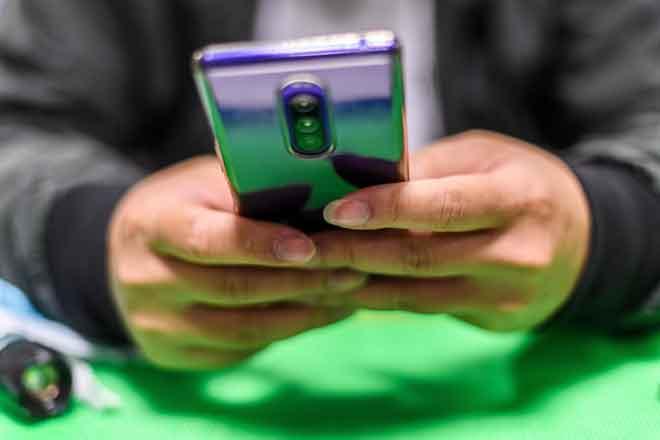 Kementerian Pertahanan larang guna telefon bimbit keluaran China